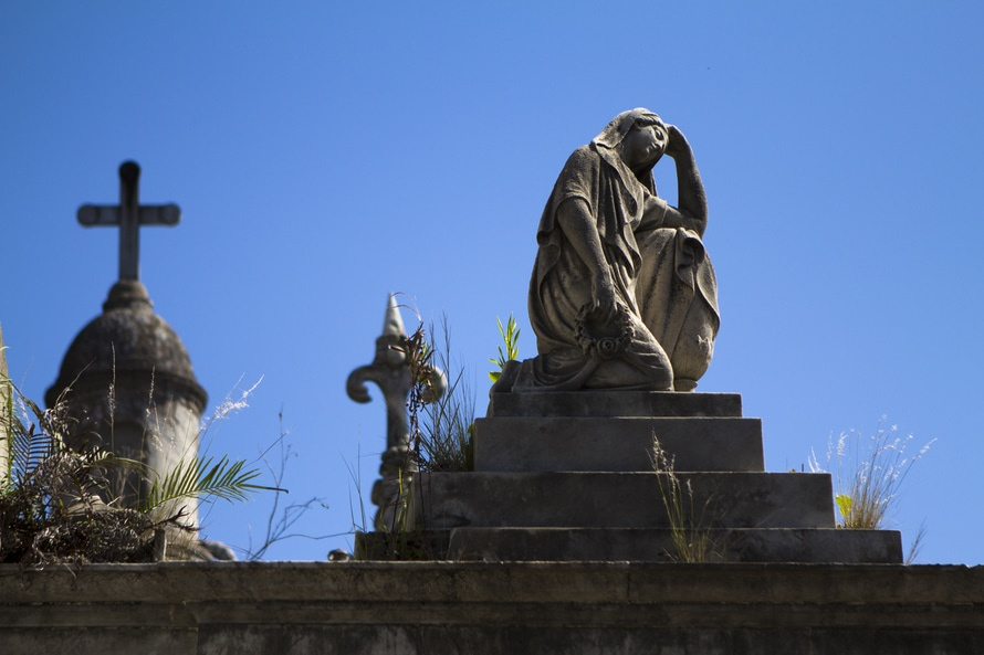Two Ways to Get Involved in Cemetery Crowdsourcing